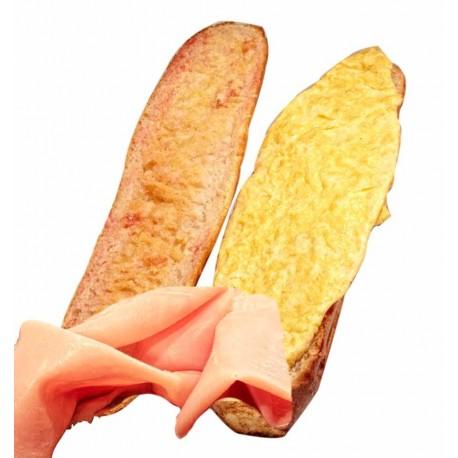 Bocadillo de tortilla de jamón york